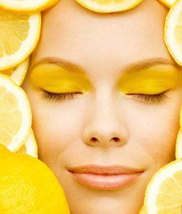 Soin du visage au jus de citron